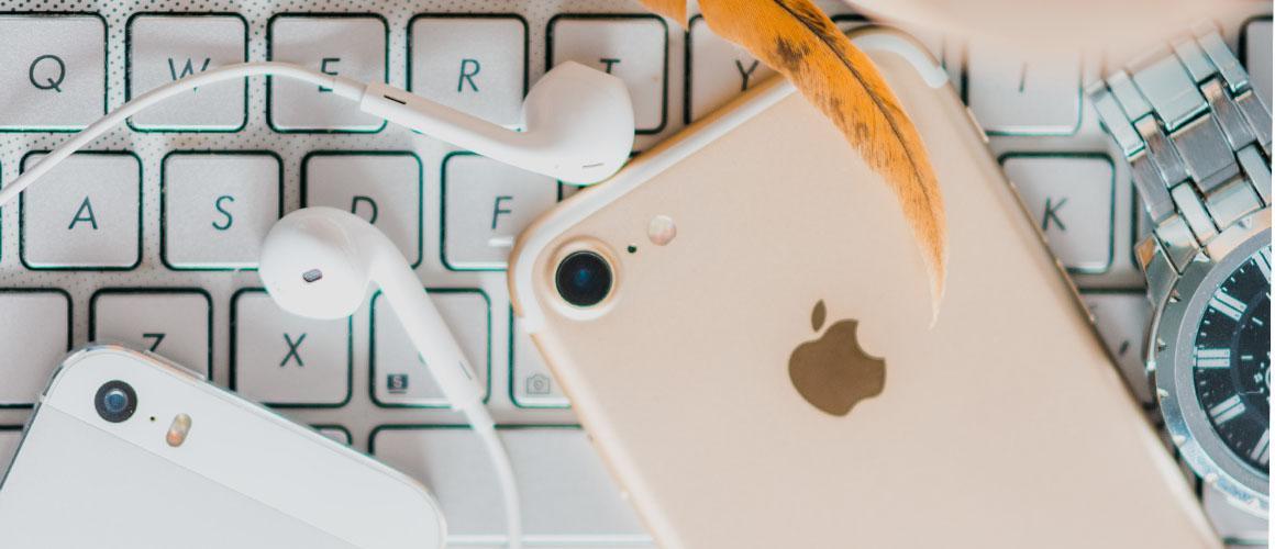 Oortjes aansluiten op je iPhone met een tussenstuk