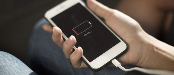 Telefoon oplader blijft niet goed zitten? Dit zijn de beste tips!