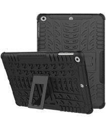 Apple iPad 9.7 2017 Tyre Pattern Hybrid Case Zwart