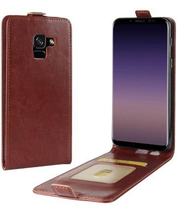 Samsung Galaxy A8 (2018) Verticaal Flip Hoesje Bruin