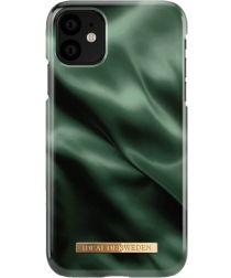 iDeal of Sweden Fashion Apple iPhone 11 Hoesje Emerald Satin